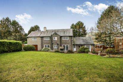 5 Bedrooms Detached House for sale in Cynwyd, Corwen, Denbighshire, LL21