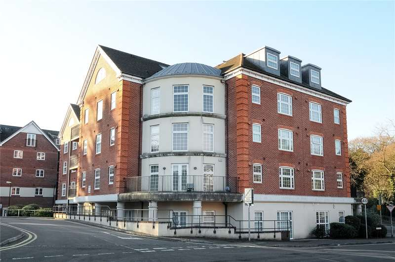 2 Bedrooms Apartment Flat for sale in Dorchester Court, 283 London Road, Camberley, Surrey, GU15