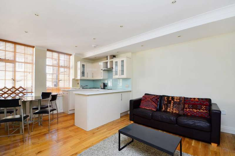 2 Bedrooms Flat for sale in Hallam Street, Marylebone, W1W