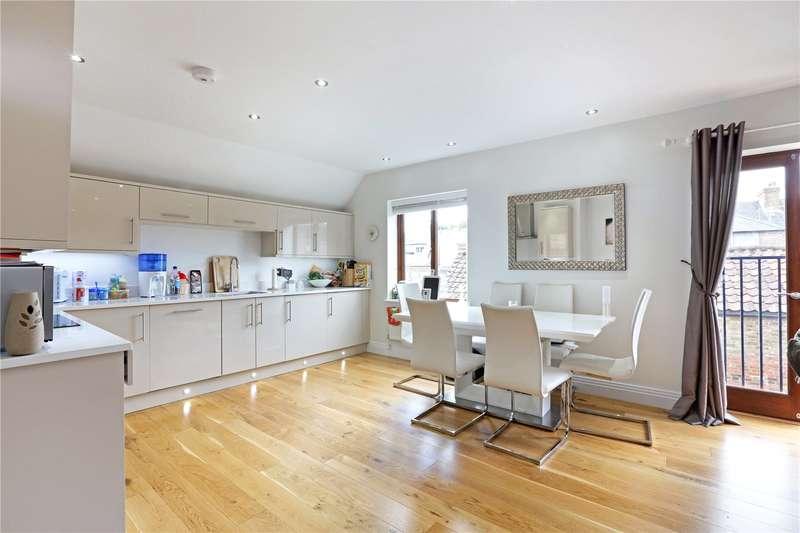 2 Bedrooms Flat for sale in Dairy Court, Glencoe Road, Bushey, WD23