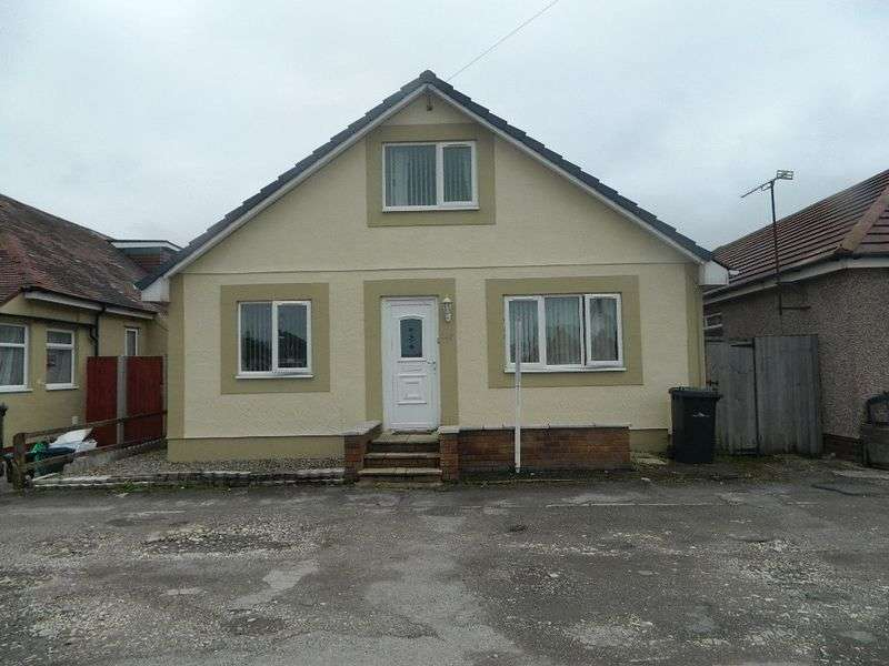 5 Bedrooms Detached Bungalow for sale in Foryd Road, Kinmel Bay