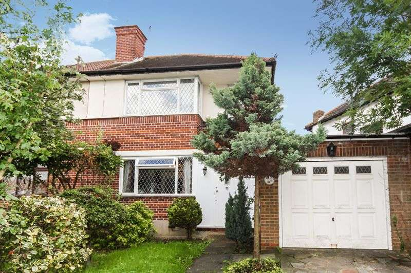 3 Bedrooms Semi Detached House for sale in Ferrymead Gardens, Greenford