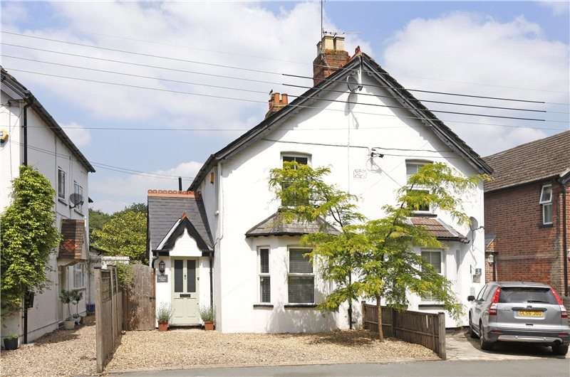 3 Bedrooms Semi Detached House for sale in Rothsay Villas, Cores End Road, Bourne End, Buckinghamshire, SL8