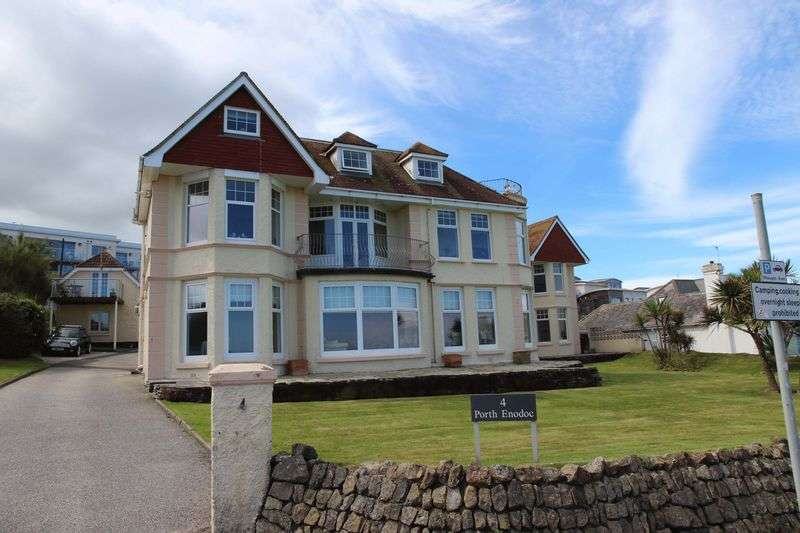 2 Bedrooms Flat for sale in Esplanade Road, Newquay