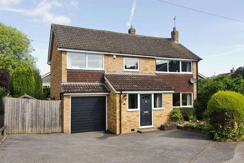 4 Bedrooms Detached House for sale in Johnson Close, Lichfield