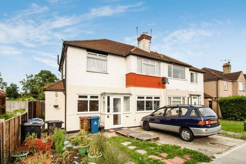 2 Bedrooms Flat for sale in Ivy Close, Harrow