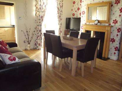 3 Bedrooms Terraced House for sale in Coal Clough Lane, Burnley, Lancashire, BB11