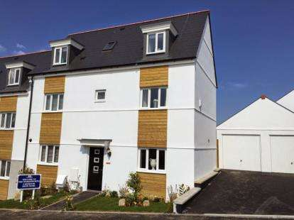 4 Bedrooms Detached House for sale in Dunmere Road, Bodmin