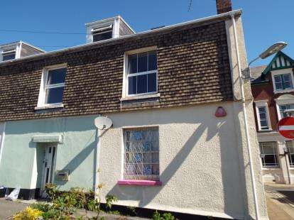 1 Bedroom Flat for sale in Alexandra Square, Saltash, Cornwall