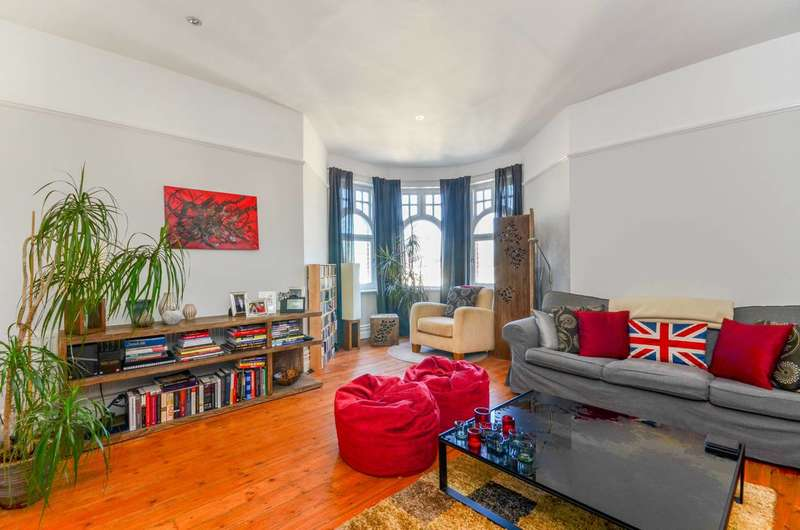 2 Bedrooms Flat for sale in King Edward Mansions, Fulham Broadway, SW6