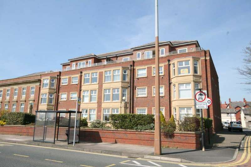 2 Bedrooms Flat for sale in 5 The Heritage, Central Beach, Lytham