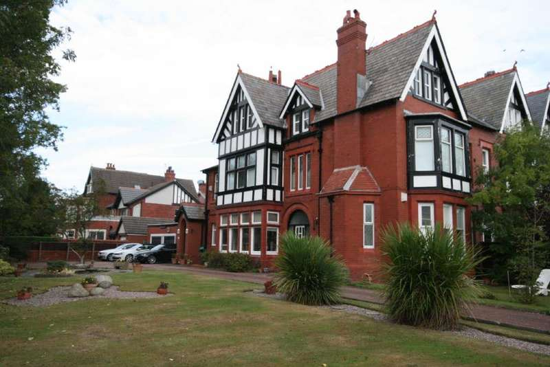 3 Bedrooms Flat for sale in Fairlawn Road, Lytham