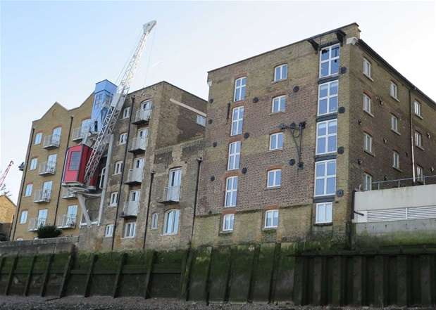 2 Bedrooms Flat for sale in Bombay Wharf, 103 Rotherhithe Street, Rotherhithe