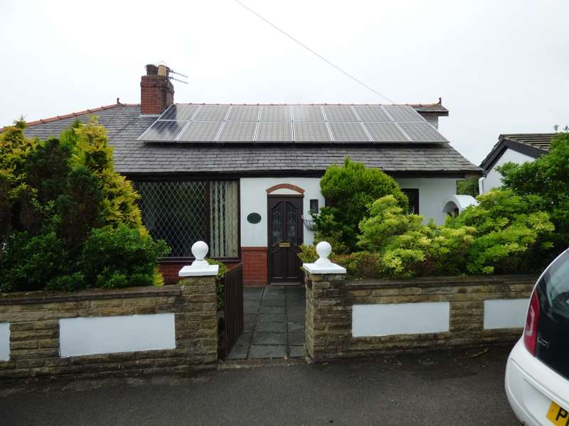 3 Bedrooms Bungalow for sale in Florence Avenue, Warton, Preston, Lancashire, PR4