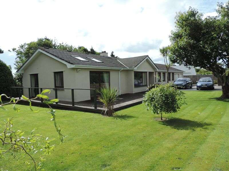 5 Bedrooms Detached Bungalow for sale in Feock, Nr. Truro