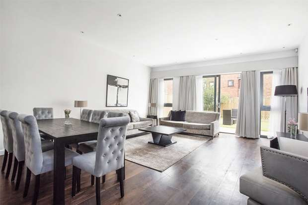 4 Bedrooms Terraced House for sale in The Crescent, Gunnersbury Mews, Chiswick, London