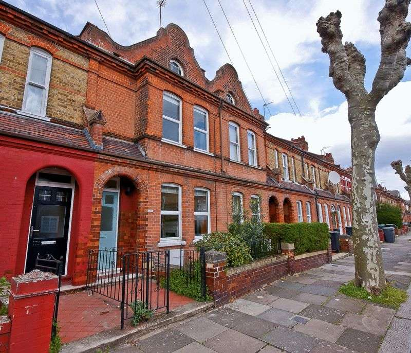 2 Bedrooms Terraced House for sale in Lymington Avenue, London