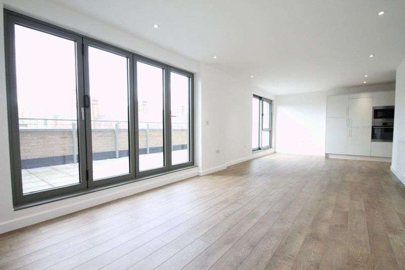 3 Bedrooms Flat for sale in Vauxhall Street, London