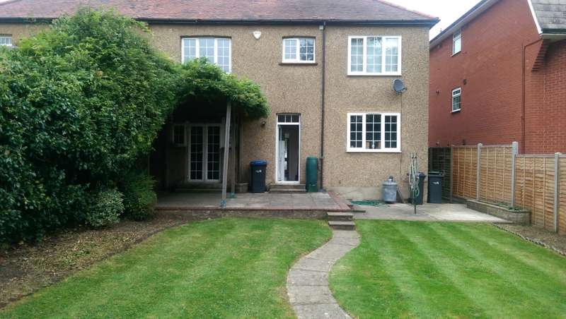 4 Bedrooms Semi Detached House for sale in Lavender Hill, Enfield, Middlesex, EN2