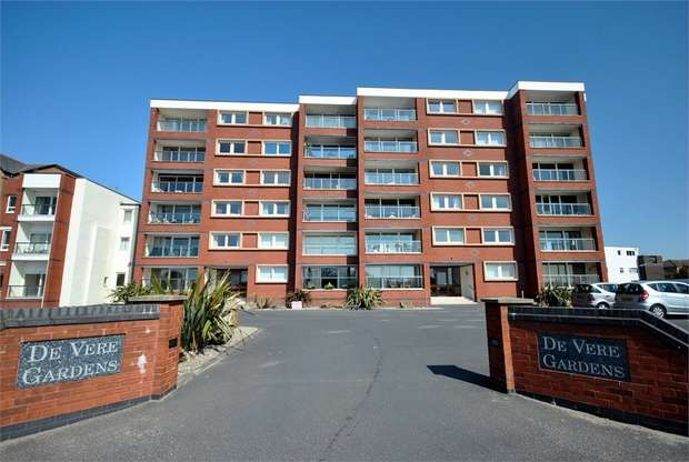 2 Bedrooms Flat for sale in Flat 11, Devere Gardens, 49 South Promenade, LYTHAM ST ANNES, Lancashire