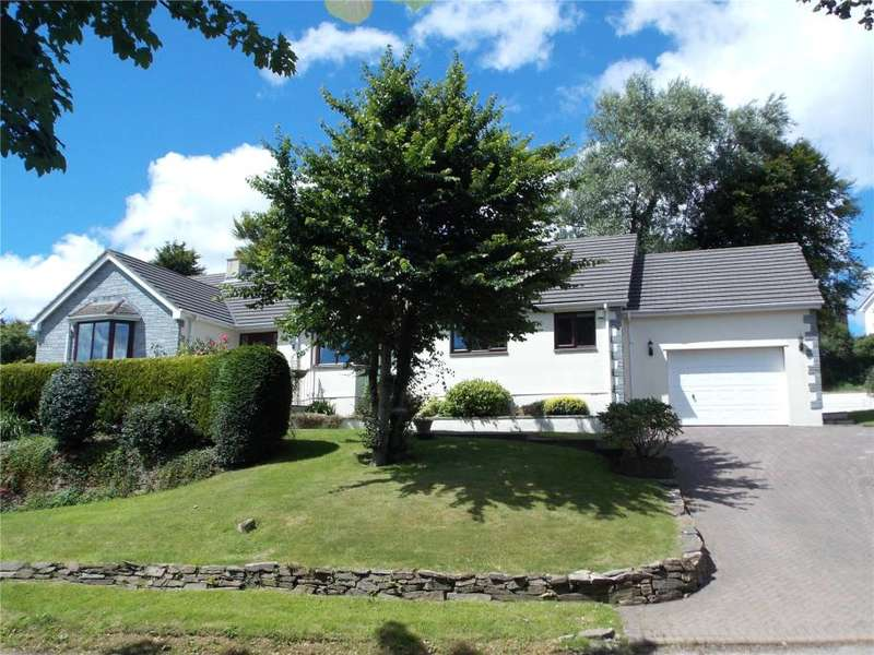 3 Bedrooms Detached Bungalow for sale in School Hill, Shortlanesend, Truro