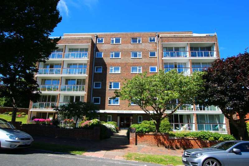 3 Bedrooms Flat for sale in Carlisle Road, Eastbourne, BN20 7ER