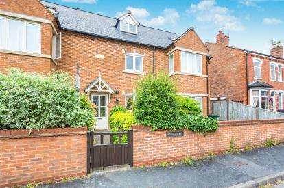 3 Bedrooms Terraced House for sale in Berkeley Street, Barbourne, Worcester, Worcestershire