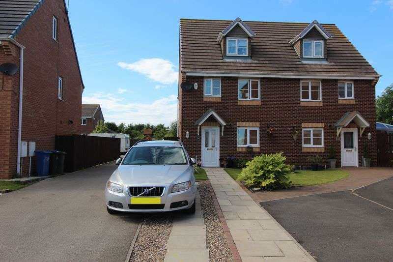 4 Bedrooms Semi Detached House for sale in Douglas Way, Seaham