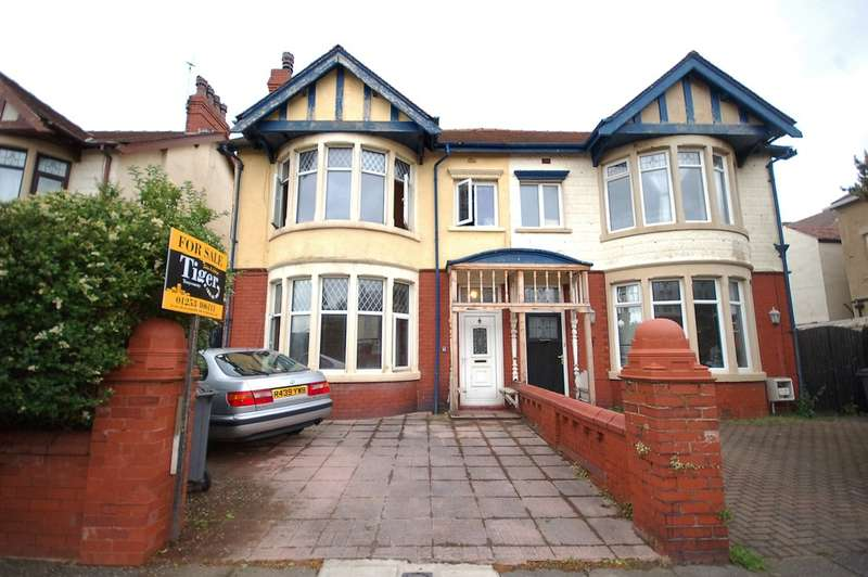 3 Bedrooms Semi Detached House for sale in Mersey Road, Blackpool