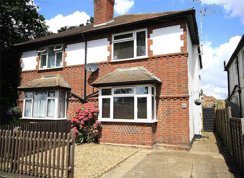 3 Bedrooms Semi Detached House for sale in Kings Head Lane, Byfleet, West Byfleet, Surrey, KT14