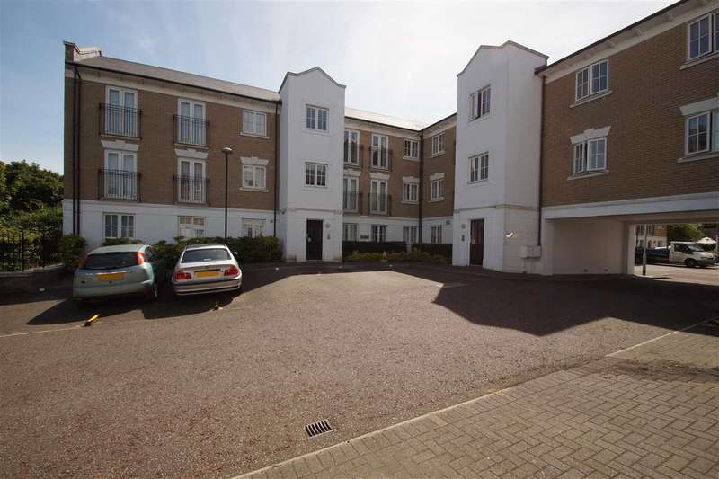 2 Bedrooms Apartment Flat for sale in George Williams Way, Colchester