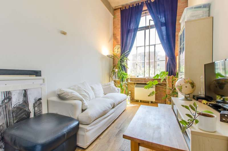1 Bedroom Flat for sale in Bow Quarter, Bow, E3