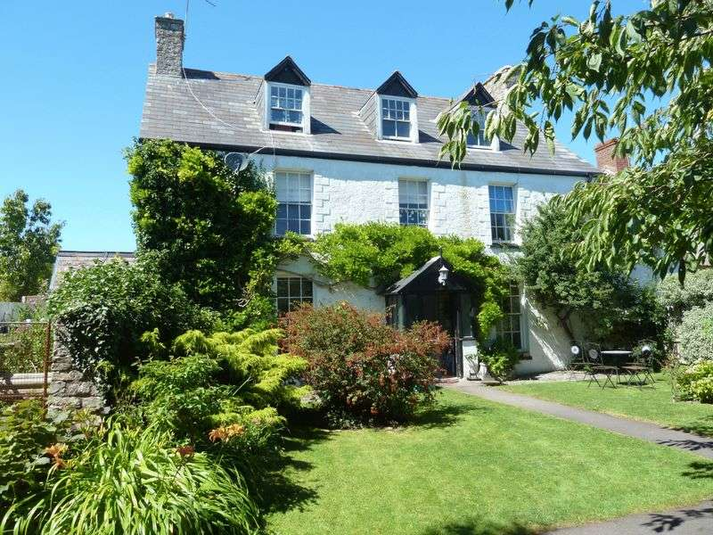 6 Bedrooms Semi Detached House for sale in Rhoose Road, Rhoose