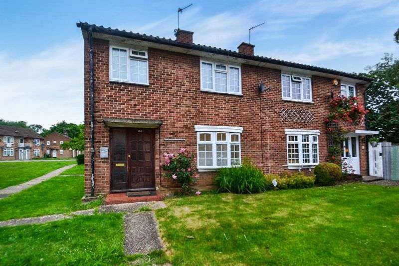 3 Bedrooms Semi Detached House for sale in Honister Place, Stanmore