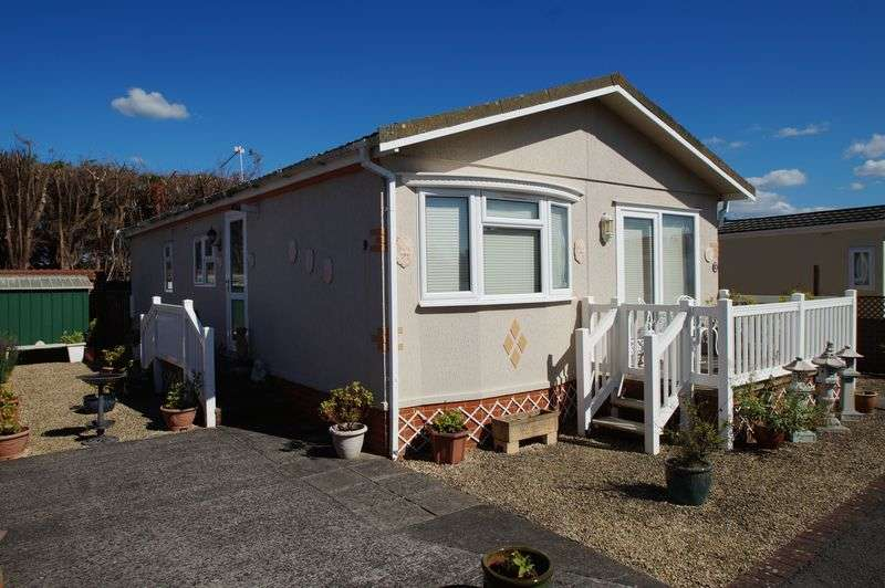 2 Bedrooms Detached Bungalow for sale in Claremont Park, Berrow