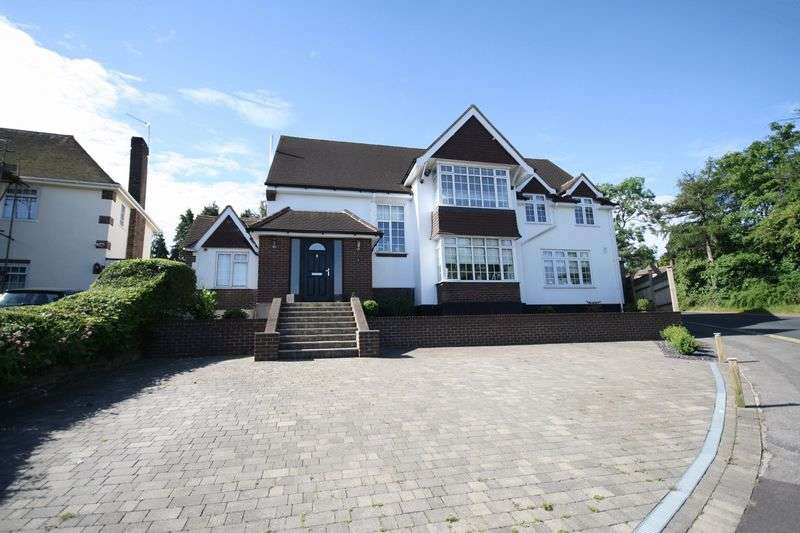 5 Bedrooms Detached House for sale in CARSHALTON BEECHES