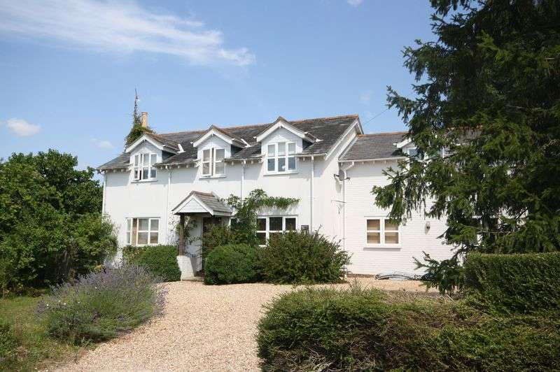 5 Bedrooms Detached House for sale in Swanmore