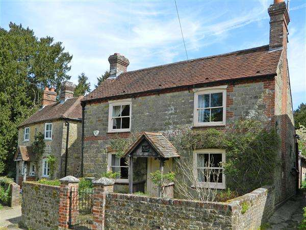 3 Bedrooms House for sale in Queens Street, Stedham, West Sussex, GU29