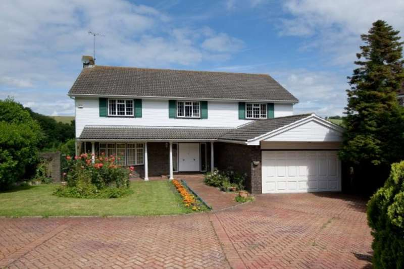4 Bedrooms Detached House for sale in Wellgreen Lane, Kingston