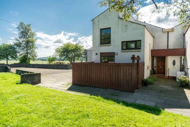 3 Bedrooms Semi Detached House for sale in Abbots View, Haddington, EH41 3QQ