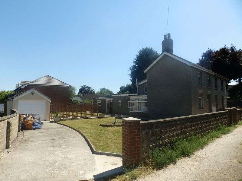 3 Bedrooms Semi Detached House for sale in Buryfield, Lydiard Millicent