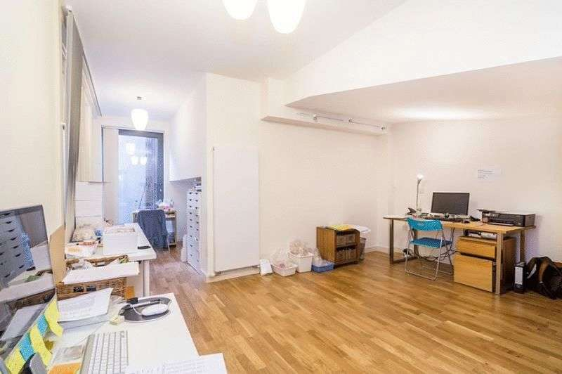 1 Bedroom Flat for sale in Holmes Road, London