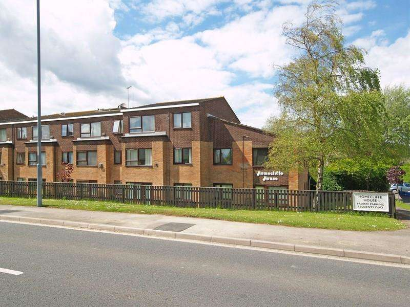 1 Bedroom Retirement Property for sale in Lymington Road, Highcliffe, Christchurch