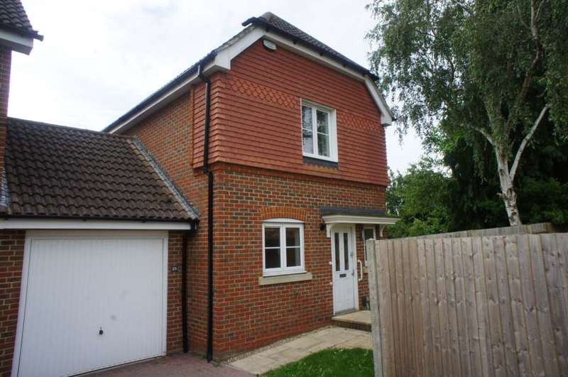 3 Bedrooms Link Detached House for sale in Maytree Walk, Caversham