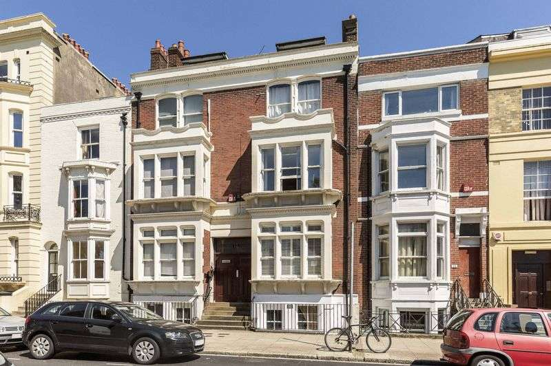 1 Bedroom Flat for sale in Hampshire Terrace, PORTSMOUTH