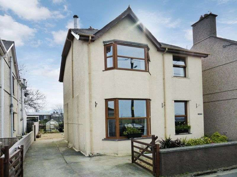 3 Bedrooms Detached House for sale in Penygroes