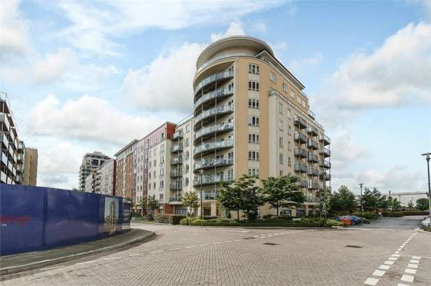 3 Bedrooms Flat for sale in 35 Boulevard Drive, London