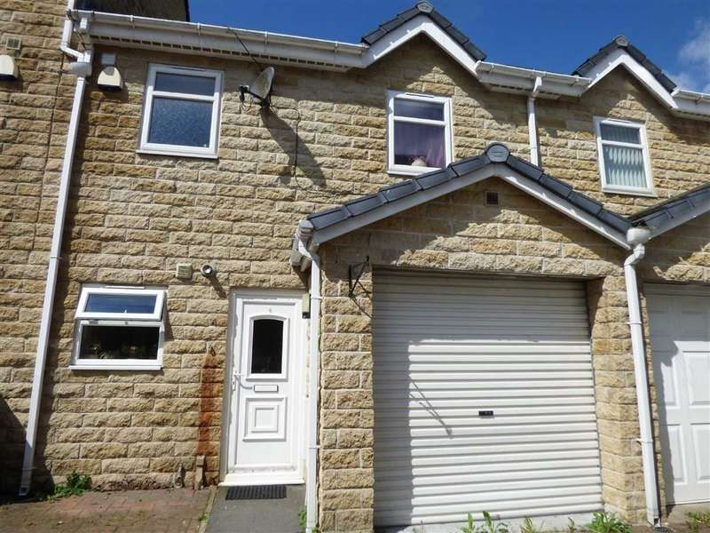 3 Bedrooms Property for sale in Redwing Crescent, Longwood, HUDDERSFIELD, West Yorkshire, HD3