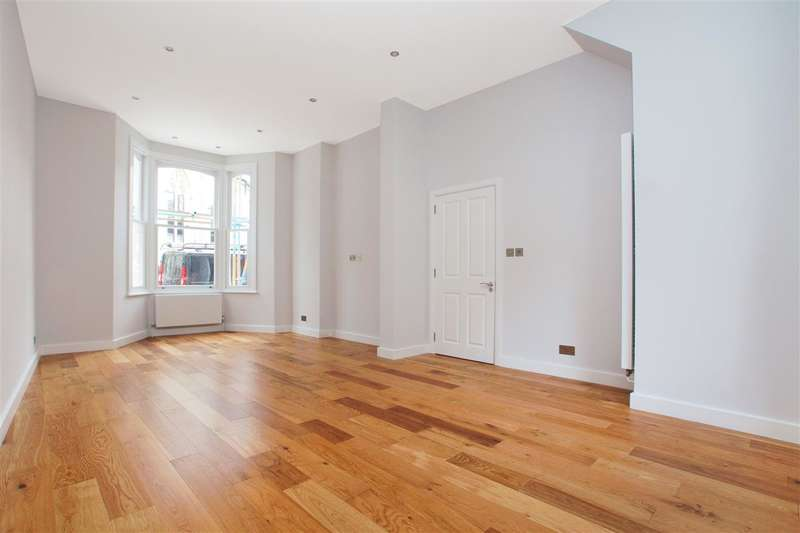 2 Bedrooms Apartment Flat for sale in Tremlett Grove, London