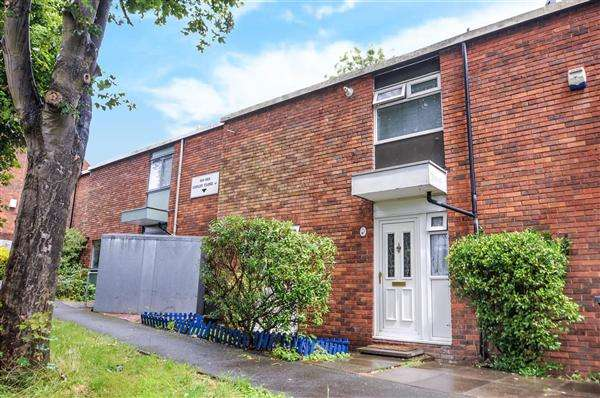 3 Bedrooms Terraced House for sale in Copley Close, Hanwell